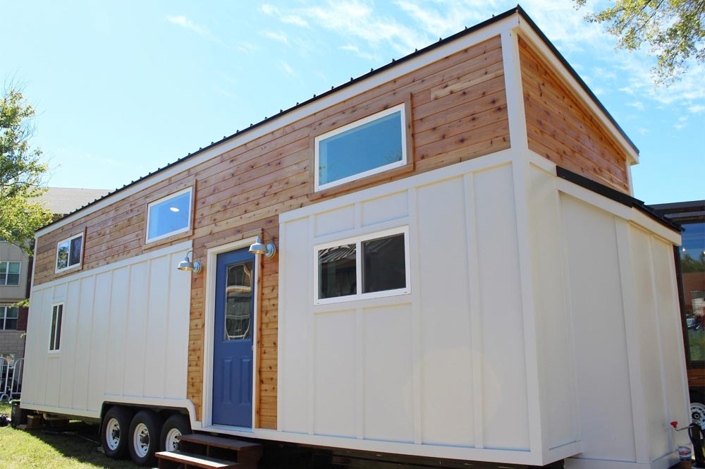 everest by mustard seed tiny homes tiny houses on wheels for sale listings. Black Bedroom Furniture Sets. Home Design Ideas